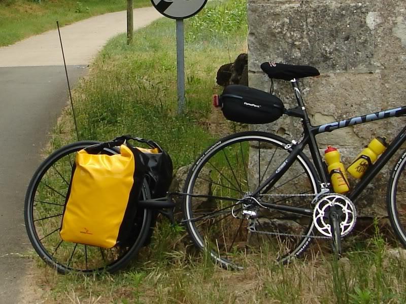 Remorque � v�lo Extrawheel avec sacoches Crosso.