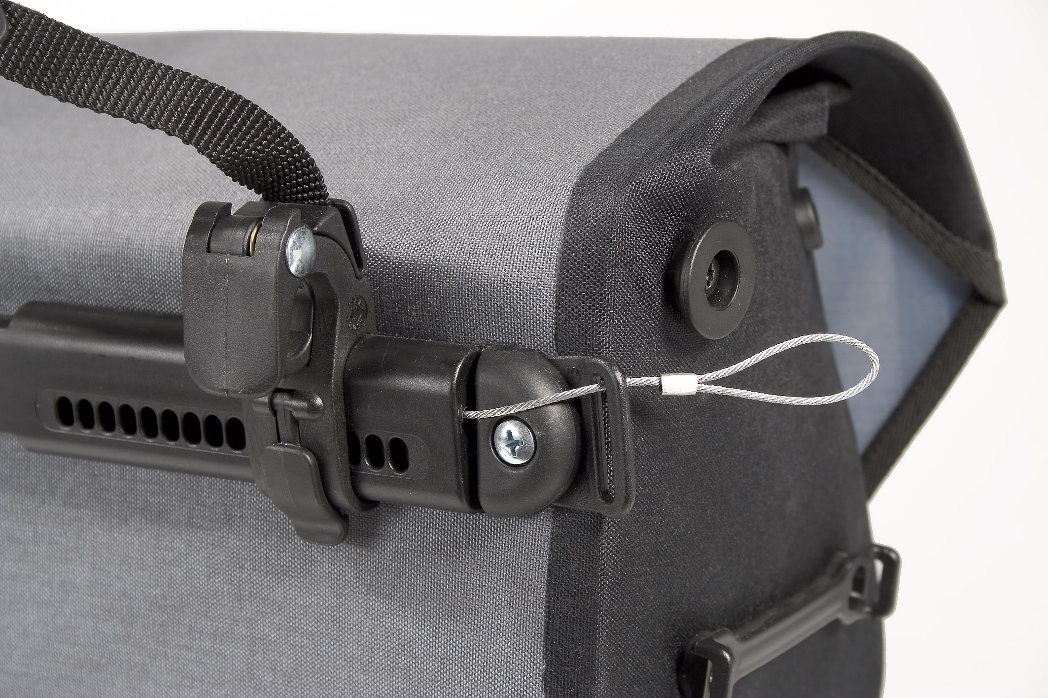 paires de c bles antivols ortlieb. Black Bedroom Furniture Sets. Home Design Ideas