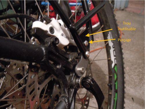 Porte-bagage arrière Tubus Logo 29 pouces monté sur un vélo avec freins à disque.