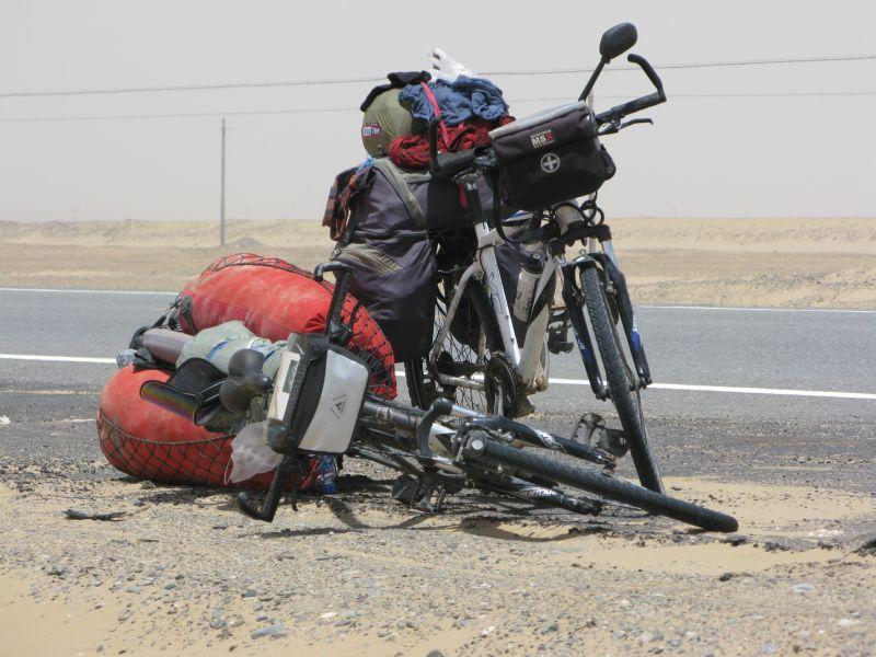 Vélos équipés pour le voyage.