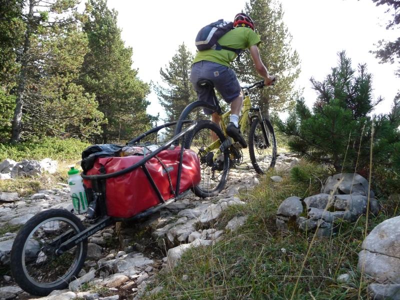 Remorque à vélo tout-terrain.