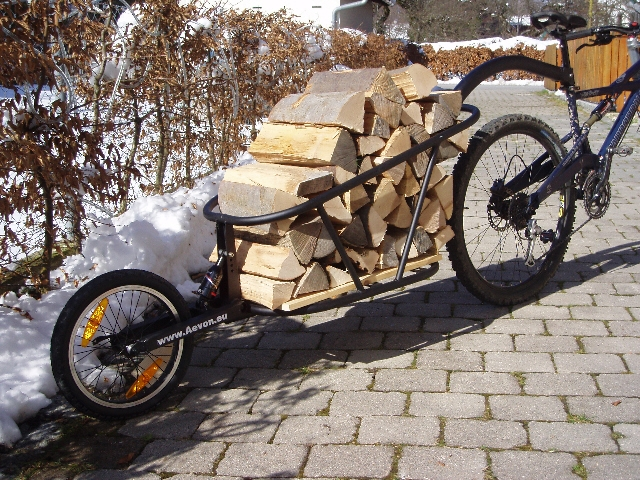 Transport : remorque à vélo Aevon.