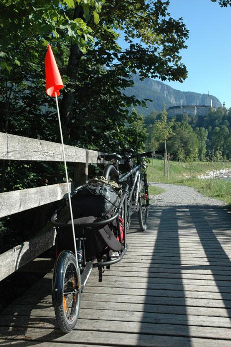 Voyage à vélo : remorque Aevon.