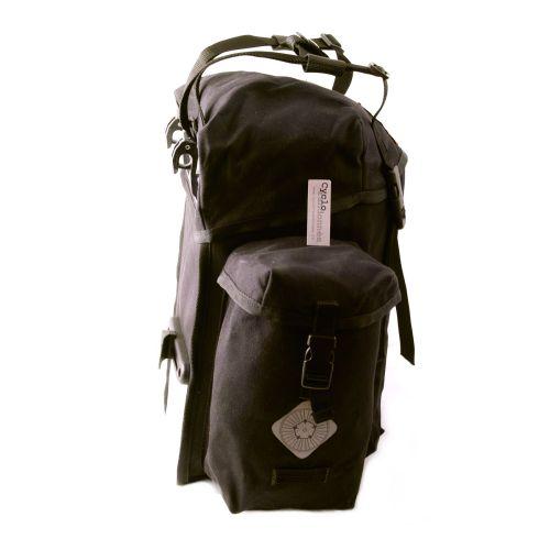 Sacoches de vélo arrières pour le voyage.