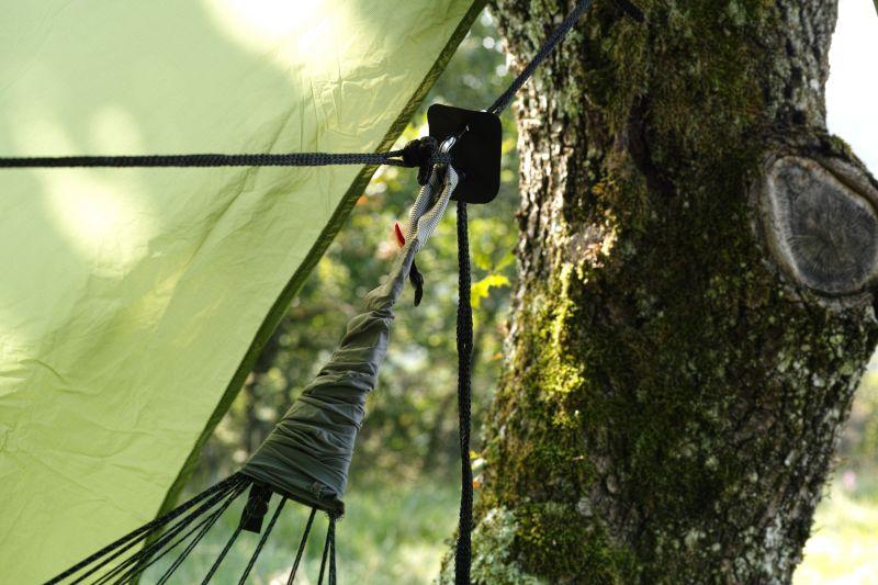 Hamac de randonnée avec tarp Exped Ergo Hammock Combi.