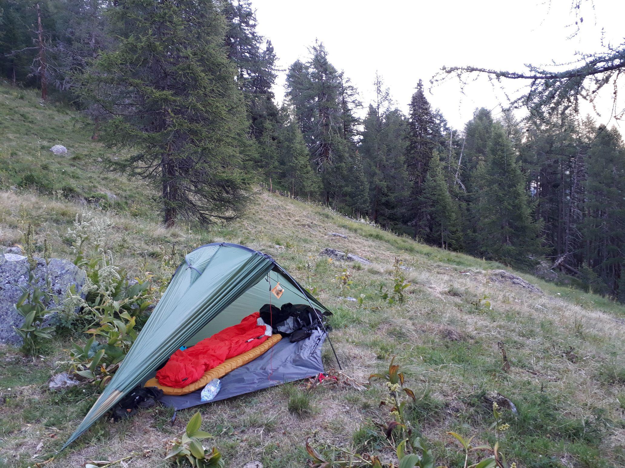 Tente Exped Vela I en montagne.