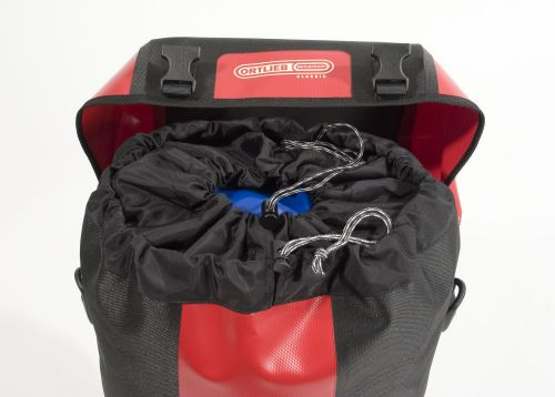 Sacoche de vélo Ortlieb Bike Packer Classic de couleur rouge.