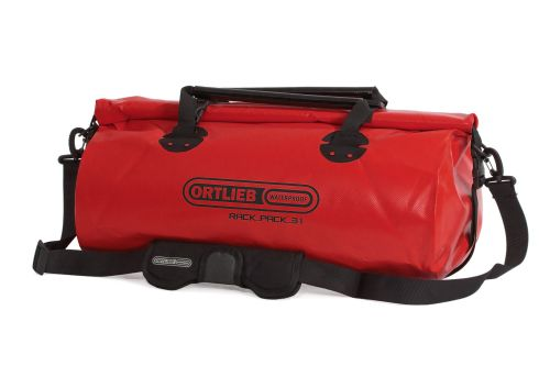 Sac étanche Ortlieb Rack-Pack de couleur rouge.