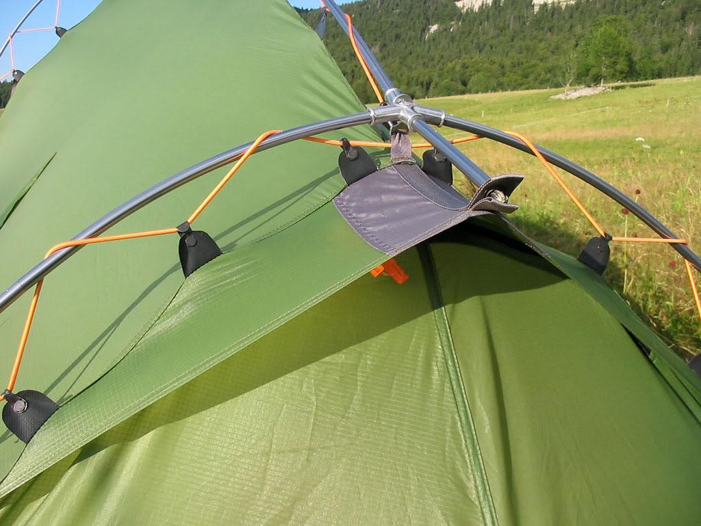 Une des deux aérations de la tente Vaude Hogan XT