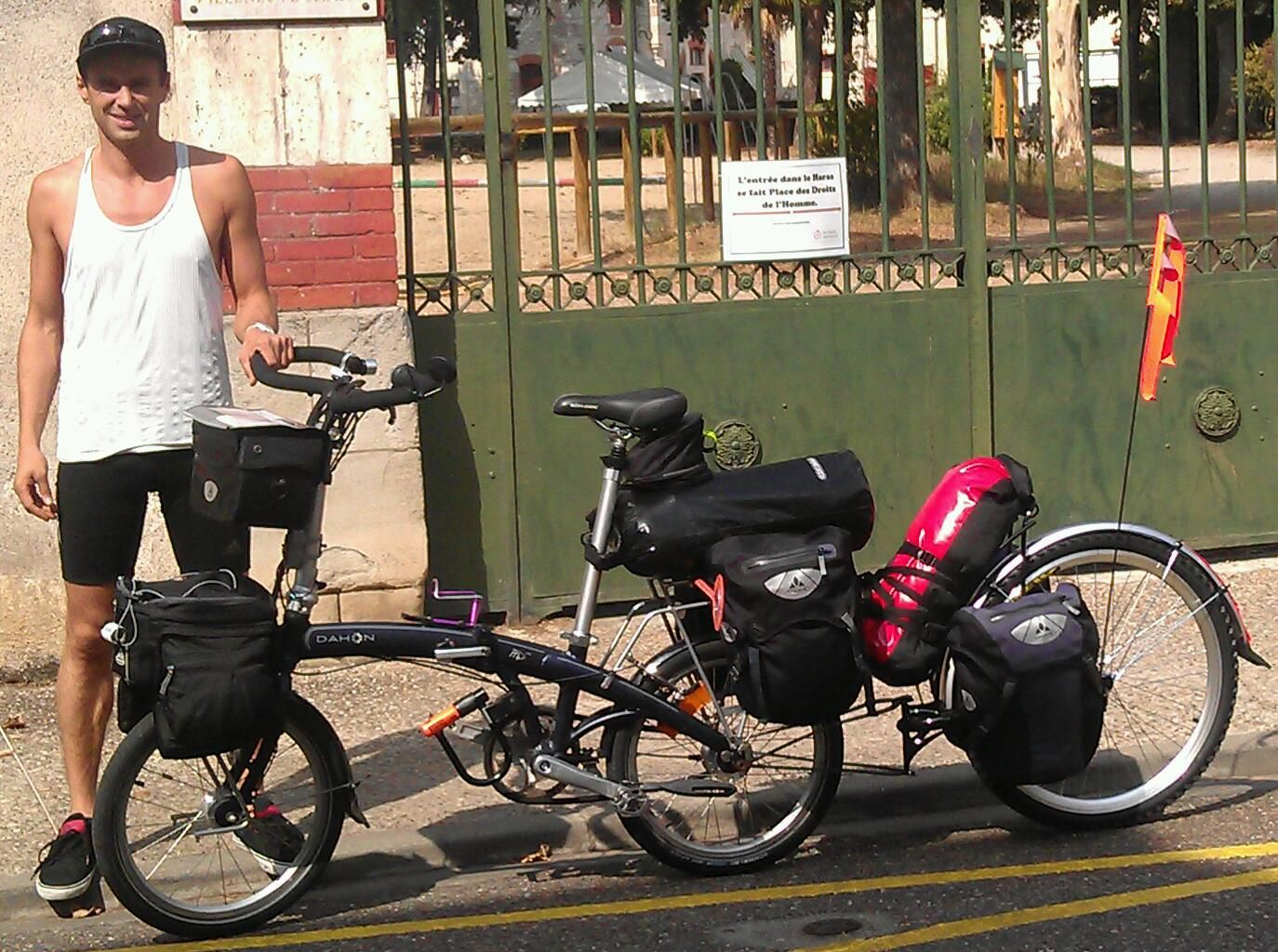 Vélo pliant pour le voyage.
